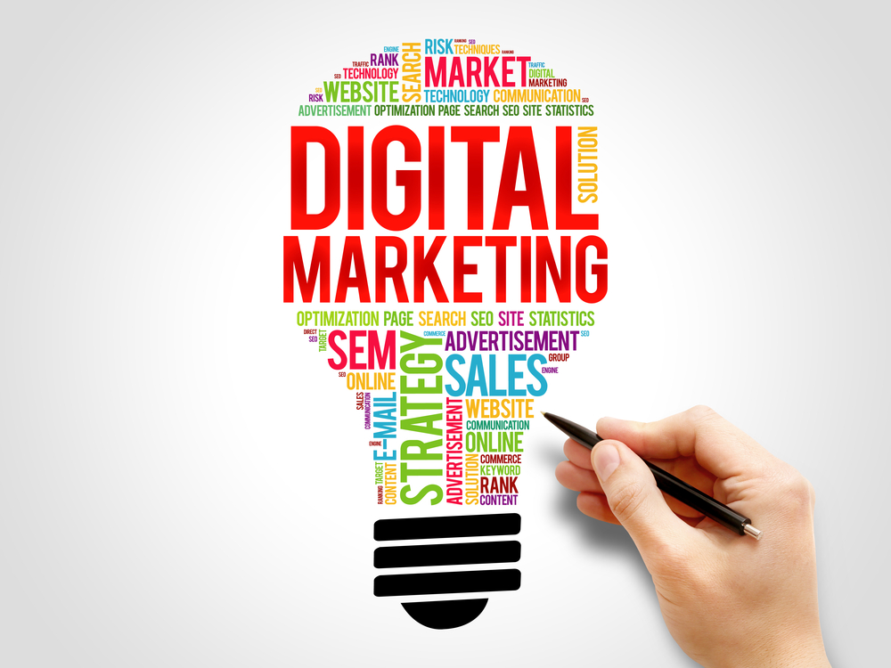 word bubble in shape of a light bulb for digital marketing