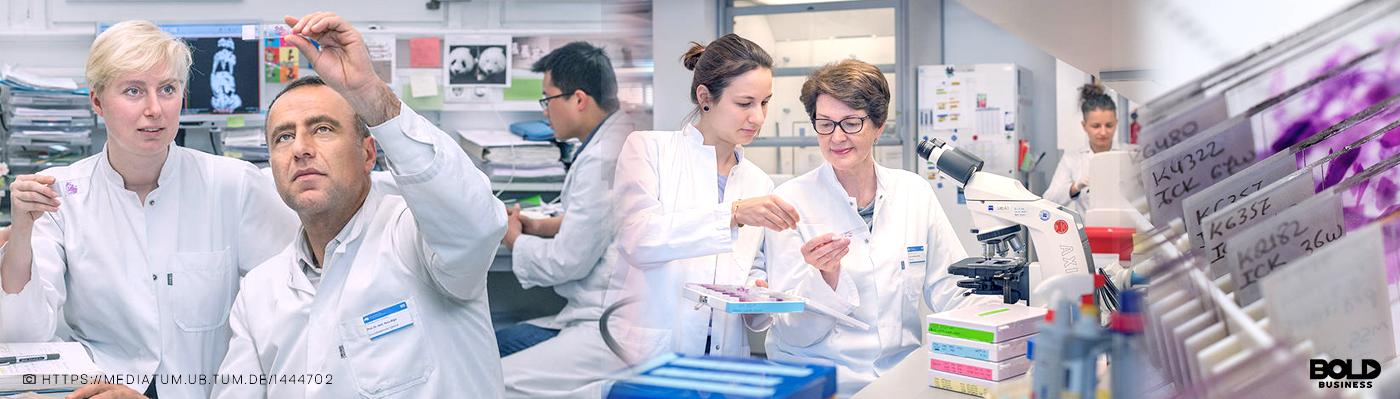Kathrin Ciecielski and Professor Hana Algül (right) discuss the results of the study. Credit: Andreas Heddergott / Technical University of Munich