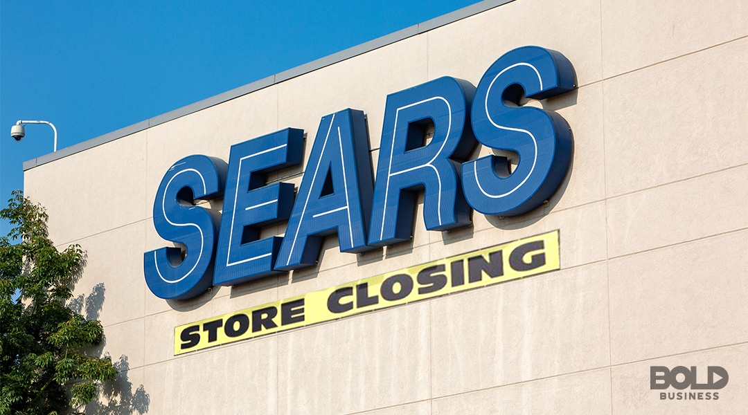 sign that says Sears store closing demonstrating Sears' filing for bankruptcy